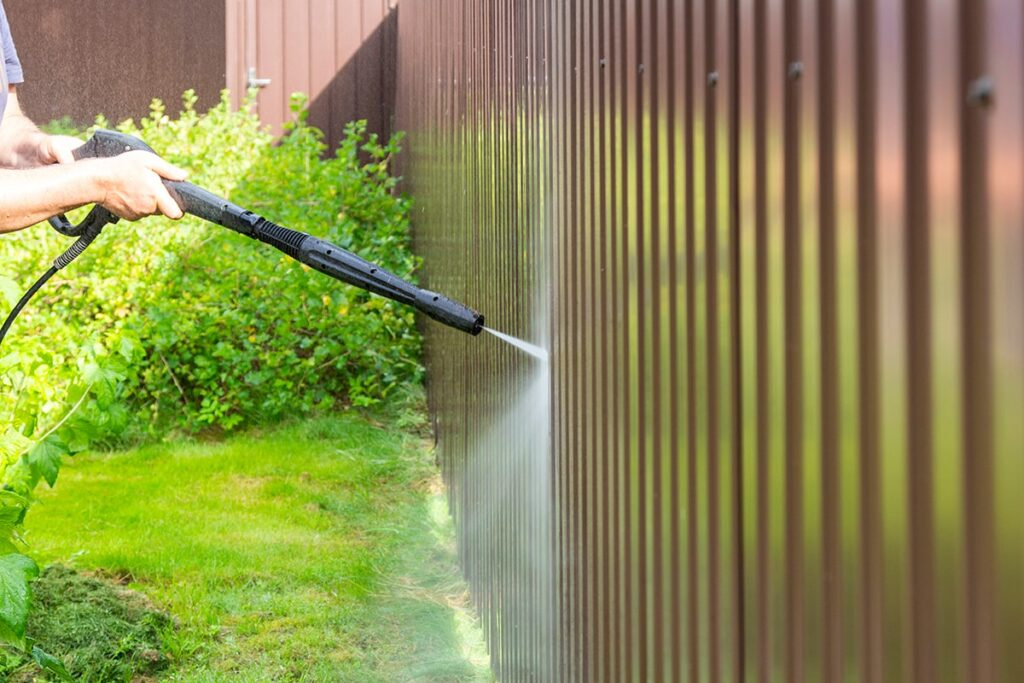 Some Ways to Do Fence Cleaning the Right Way